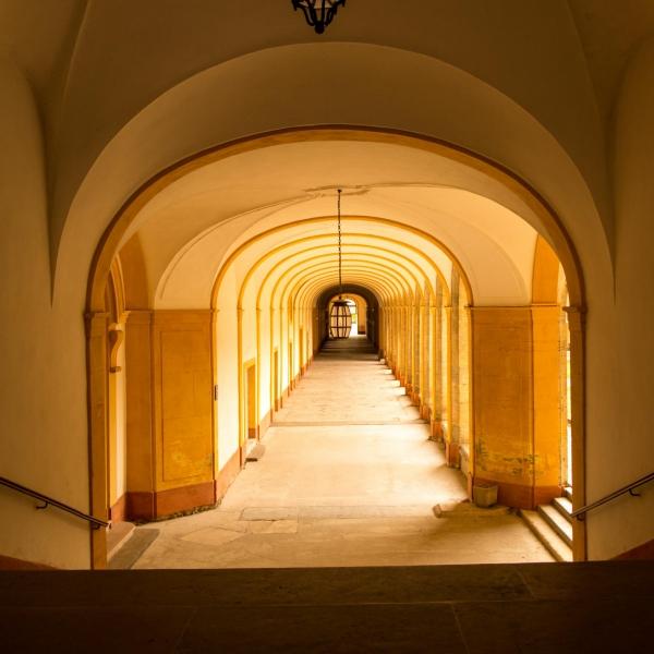 Fast ein Blick in den Innenhof der Abtei...