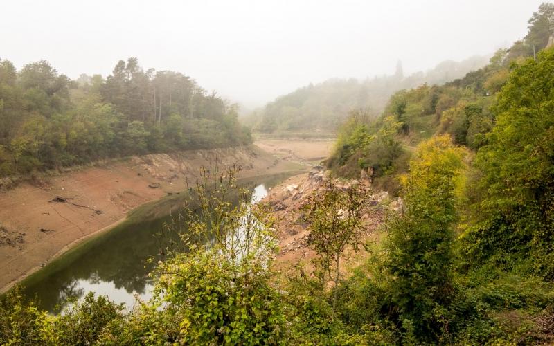 Klimawandel oder nicht: Ein Stausee ohne Wasser schaut immer ein wenig trostlos aus!