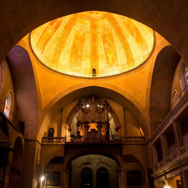 Goldene Kuppel über dem Hauptschiff