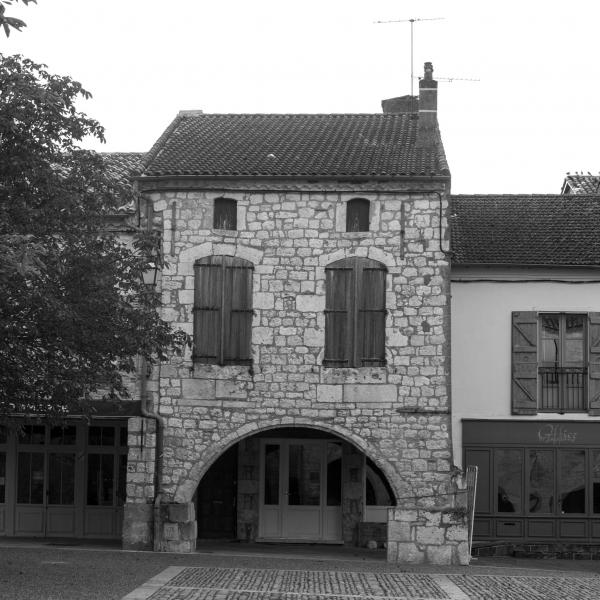 Typische Architektur: Das Haus überbaut ein Stück Galerie.