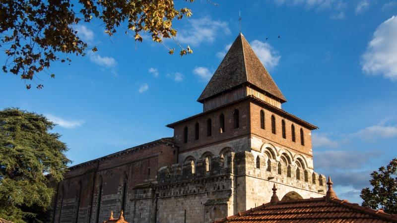 Groß und doch irgendwie geduckt und trutzig: Kirche von Moissac