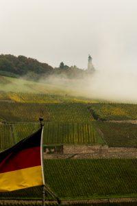 Jakobsweg Bingen: Germania im Morgendunst Detail