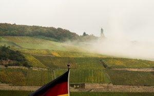 Jakobsweg Bingen: Germania im Morgendunst Panorama
