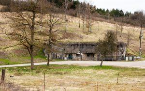 Jakobsweg Hackenberg Festungseingang Frauen