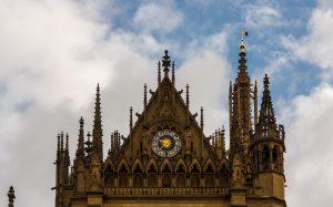 Jakobsweg Metz Kathedrale Detail Uhr