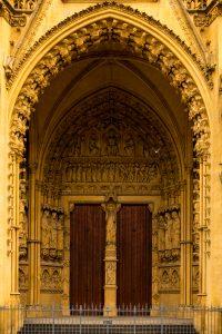 Jakobsweg Metz Kathedrale Portal Steinmetzarbeiten