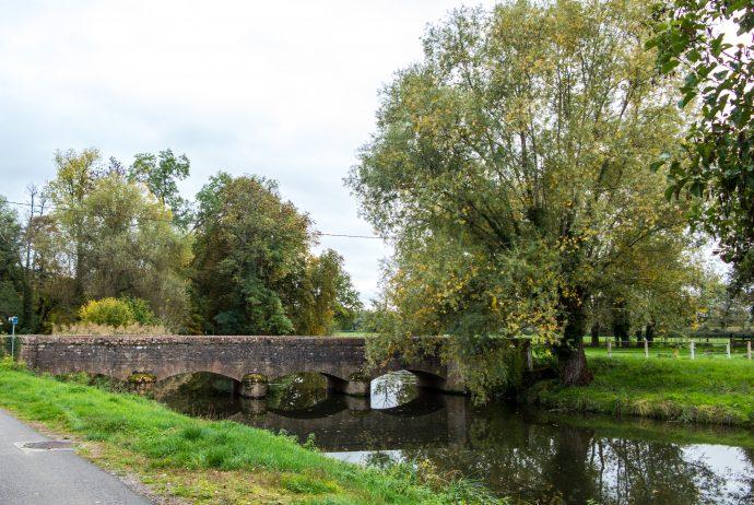 Jakobsweg Cormatin alte Brücke über die Grosne