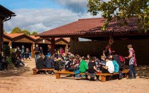 Jakobsweg Taize Essen im Freien