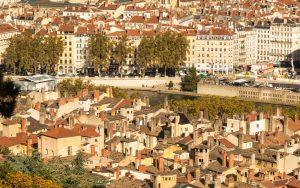 Jakobsweg Lyon Altstadt Kamine