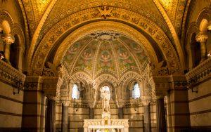 Jakobsweg Lyon Basilika Apsis im Keller