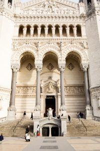 Jakobsweg Lyon Basilika Eingangsportal