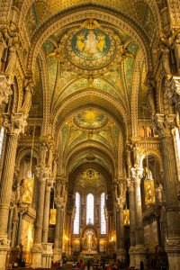 Jakobsweg Lyon Basilika Innenraum