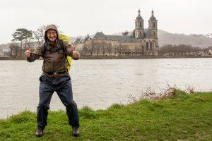 Jakobsweg Frank Stückradt im Regen vor Pont a Mousson