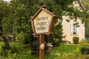 Jakobsweg Haus La Thuilliere Schild