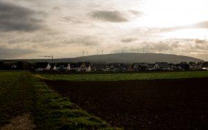 Jakobsweg Hunsrück: Rheinböllen im Morgenlicht