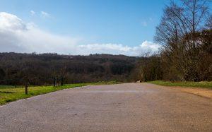 Jakobsweg Jezainville Weg in der Sonne