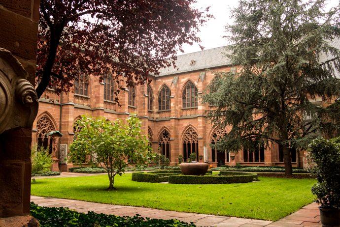 Jakobsweg Mainz: Kreuzgang des Mainzer Doms