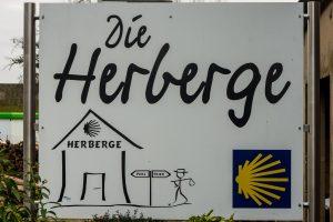 Jakobsweg Merzkirchen Schild Herberge