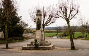 Jakobsweg Taillancourt Dorfplatz Kriegerdenkmal