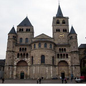 Jakobsweg Trier Dom Fassade