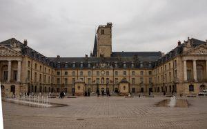Jakobsweg Dijon Place de la Liberte Panorama