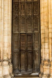 Jakobsweg Beaune Kirche Tür