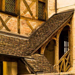 Jakobsweg Dijon Detail Treppe am Fachwerk