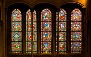 Jakobsweg Dijon Fenster in Notre Dame