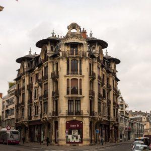 Jakobsweg Dijon Häuserecke Jugenstil