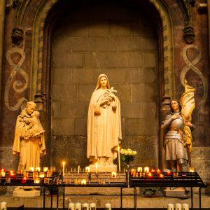 Jakobsweg Dijon Jeanne d'Arc in Notre Dame