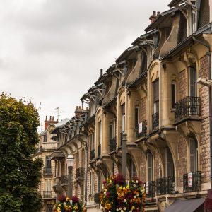 Jakobsweg Dijon Jugendstil Fassade
