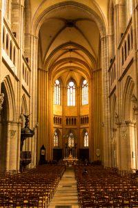 Jakobsweg Dijon Kirchenschiff