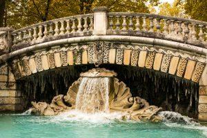Jakobsweg Dijon Reservoir Darcy Detail Brunnen