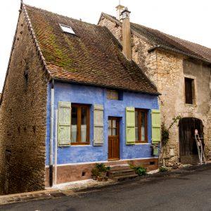 Jakobsweg Saint Gengoux le National blaues Haus