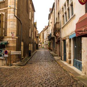 Jakobsweg Saint Gengoux le National Strassenecke