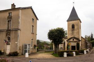Jakobsweg Vernot Mairie und Kirche