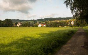 Bonifatius-Route Blankenau in der Morgensonne