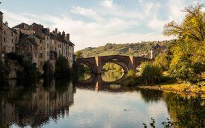 Jakobsweg Espalion Pilgerbrücke klassische Ansicht
