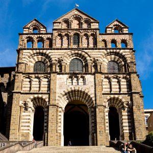 Jakobsweg Le Puy-en-Velay Kathedrale Fassade