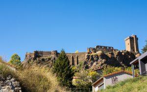 Jakobsweg Polignac Burg beim Abstieg