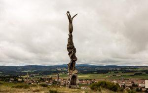 Jakobsweg Skulpturen vor Saugues Detail