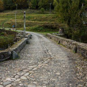Jakobsweg St Chély d'Aubrac Pilgerbrücke Detail