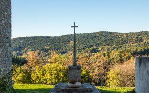Montarcher Kreuz in der Sonne