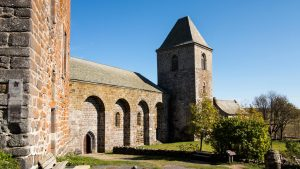 Jakobsweg Aubrac Kirche und Halle