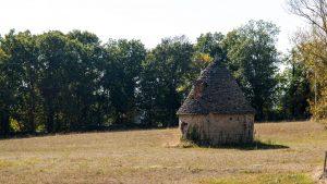 Jakobsweg Causses Schutzhütte mittags